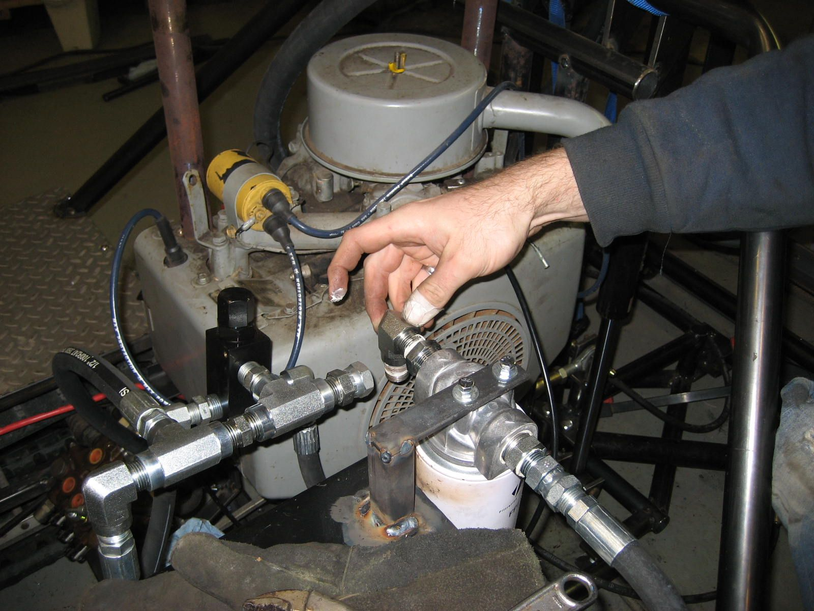Hydraulic system Buying the parts, assembling and tread