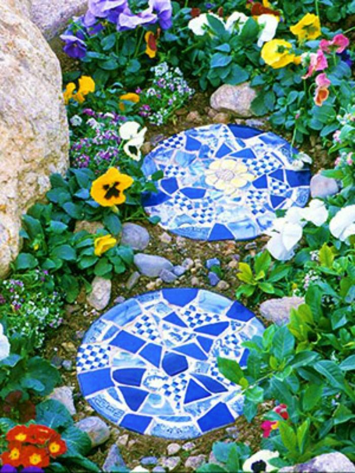 Create Mosaic Magic in Your Garden   Stone, Gardens and Mosaics