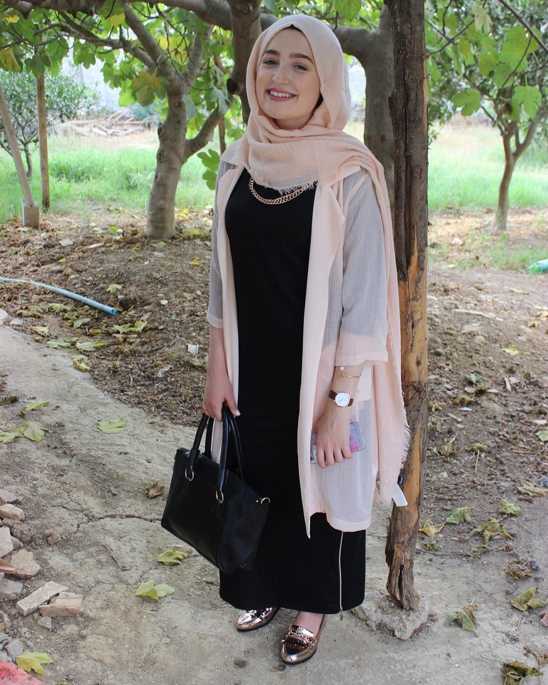 Youtuber Vlogger Model Owner Of Amira Riaa S Collection Business Hijab Fashion Fashion Muslim Fashion