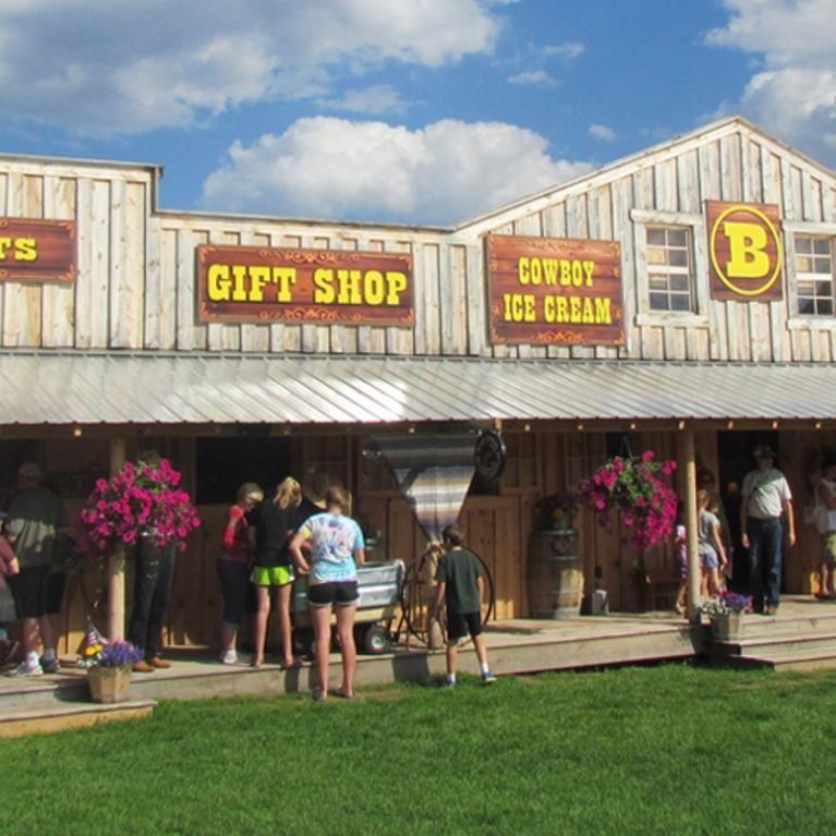 Circle B Chuckwagon Supper And Cowboy Music Show Badlands South Dakota Black Hills Cowboy