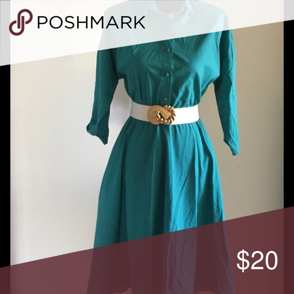 "Teal simple yet elegant vintage dress Teal Vintage dress with shoulder pads and elastic waist. So simple but yet so elegant👠👛 Size:M  Bust:34""-36"" Waist: can stretch to 36 Vintage Dresses"