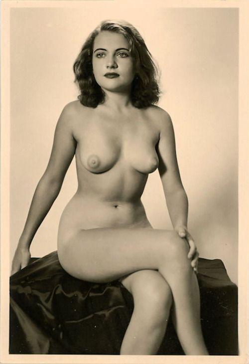 Older beauty nude