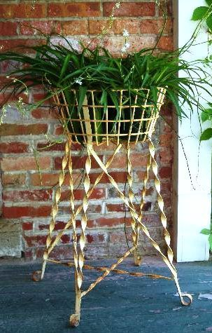 30 Wrought Iron Egg Plant Stand Metal Flower Basket Holder For Your Garden Wrought Iron Plant Stands Iron Planters Iron Plant Stand