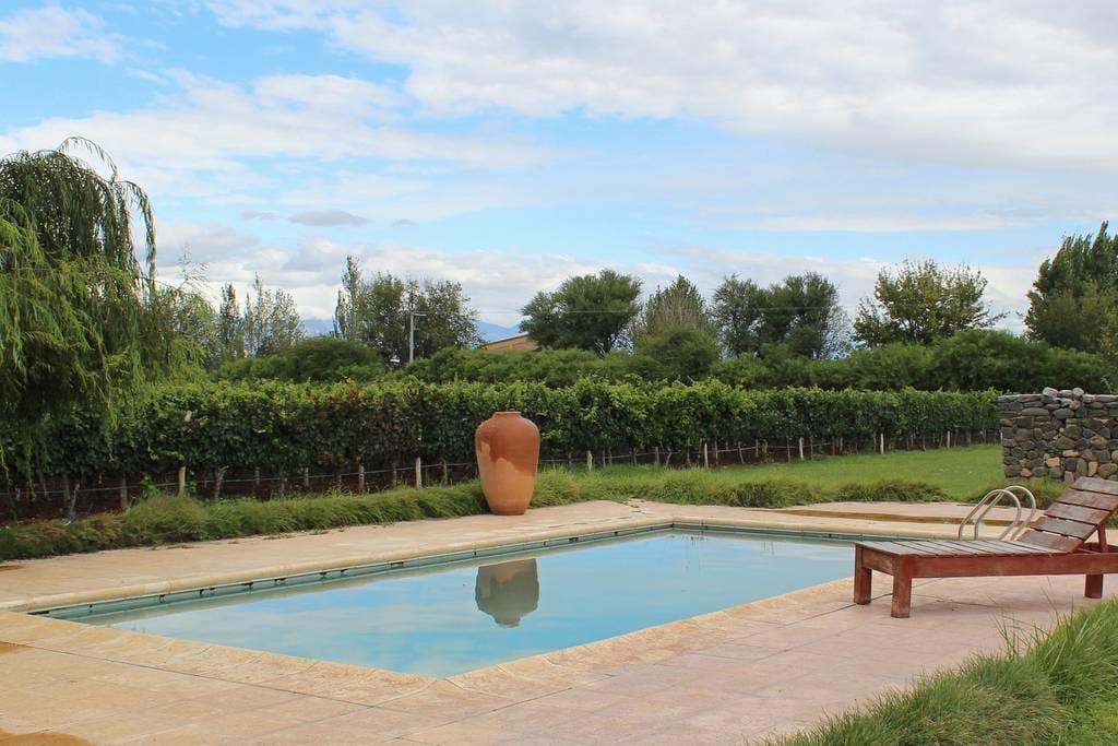 Finca El Retiro Vineyard Home - Casas en alquiler en Cafayate