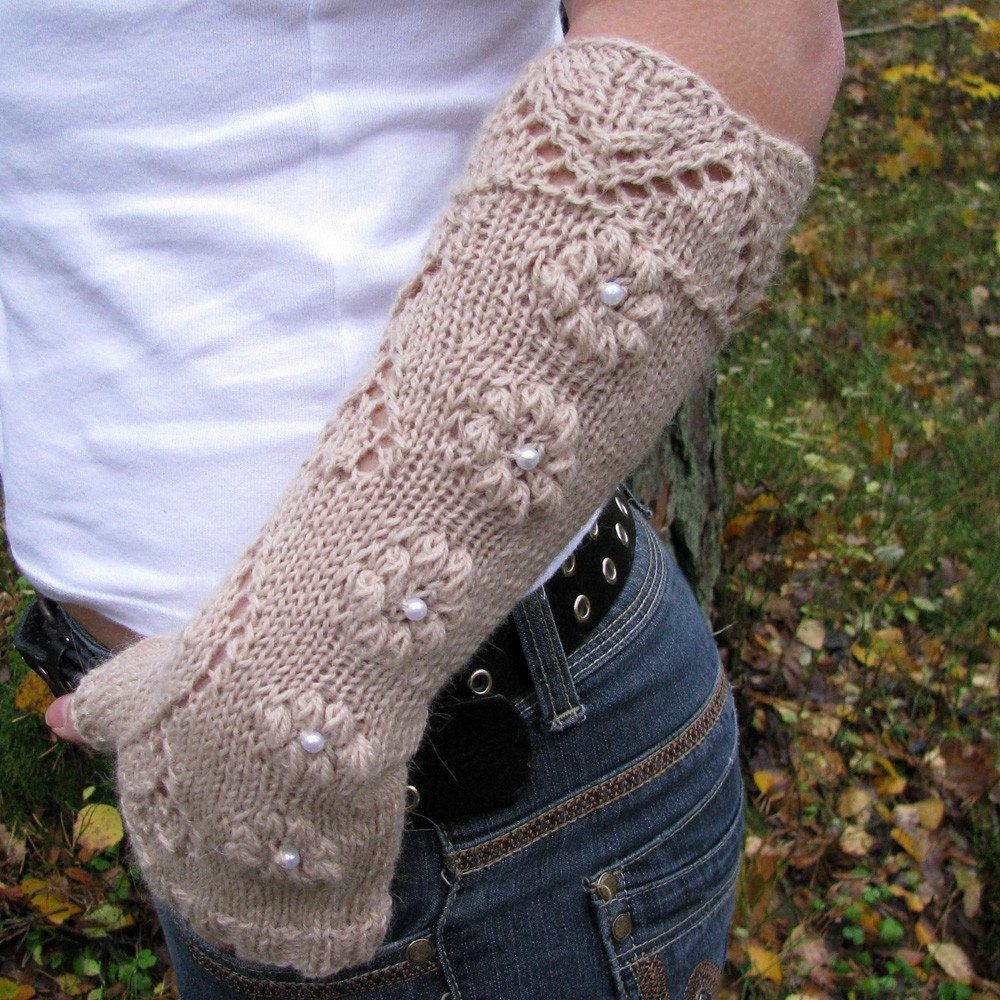 Knit fingerless gloves with lace pattern long wool by wooolmint, €24.00