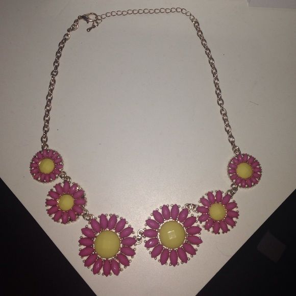 Floral statement necklace Pink and yellow floral statement necklace. Great condition Jewelry Necklaces