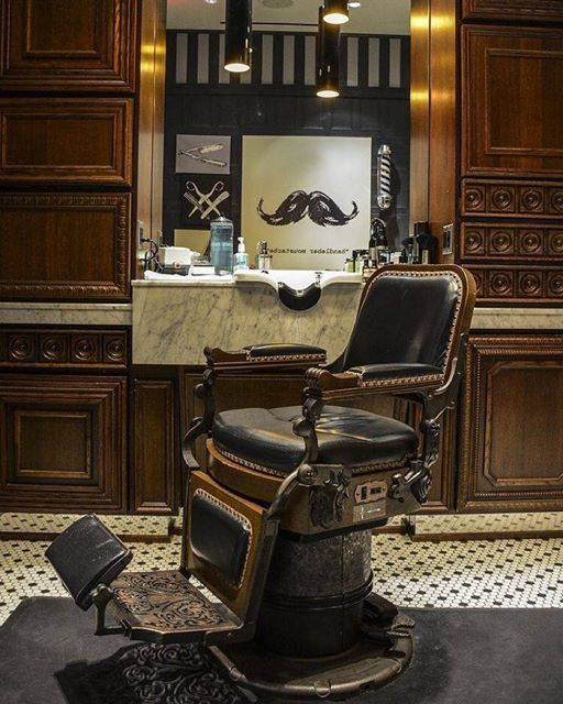 man in this city shearclub barber chair porn beard and style pinterest m nnerfrisuren. Black Bedroom Furniture Sets. Home Design Ideas