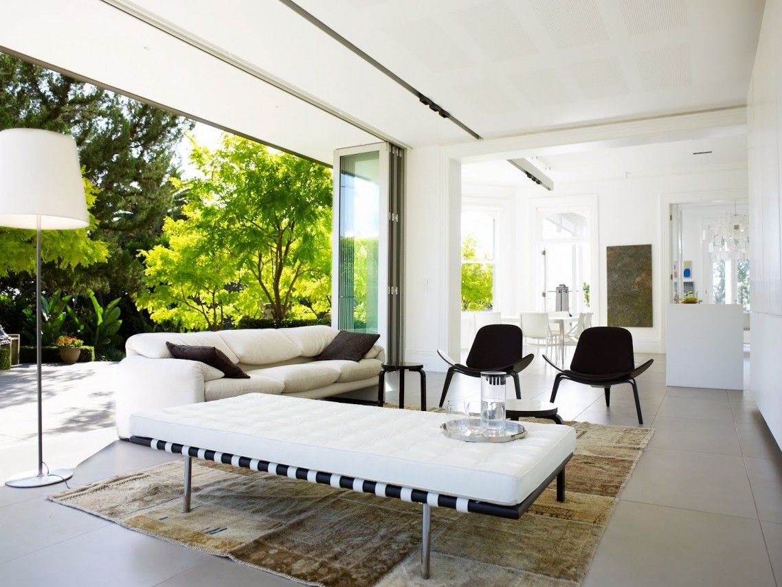 Seductive Large Glass Panel Wall For Garden View In Living Room  # Muebles Betanzos