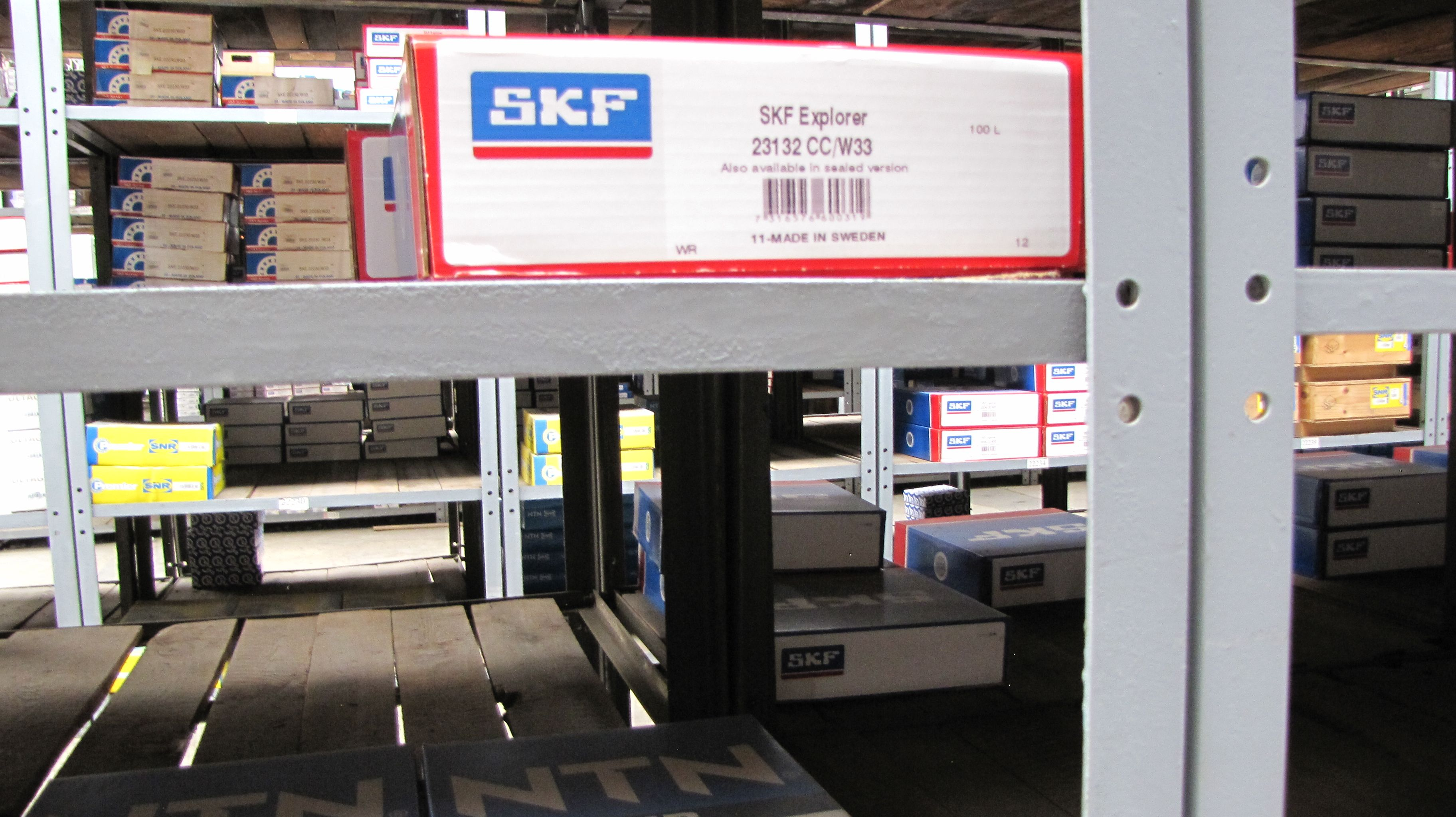 Spherical roller bearing 23132 CC/W33 SKF  Price: 460