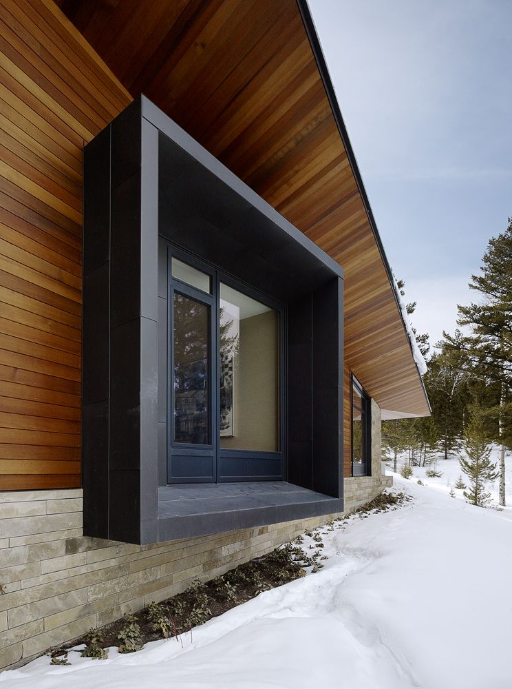 Mountain modern zinc clad window projections butte for Architecture moderne
