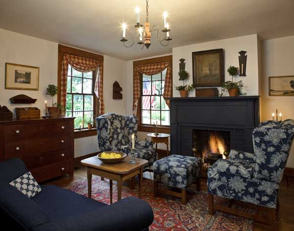 Early American Inspired Living Room Primitive Homes Primitive