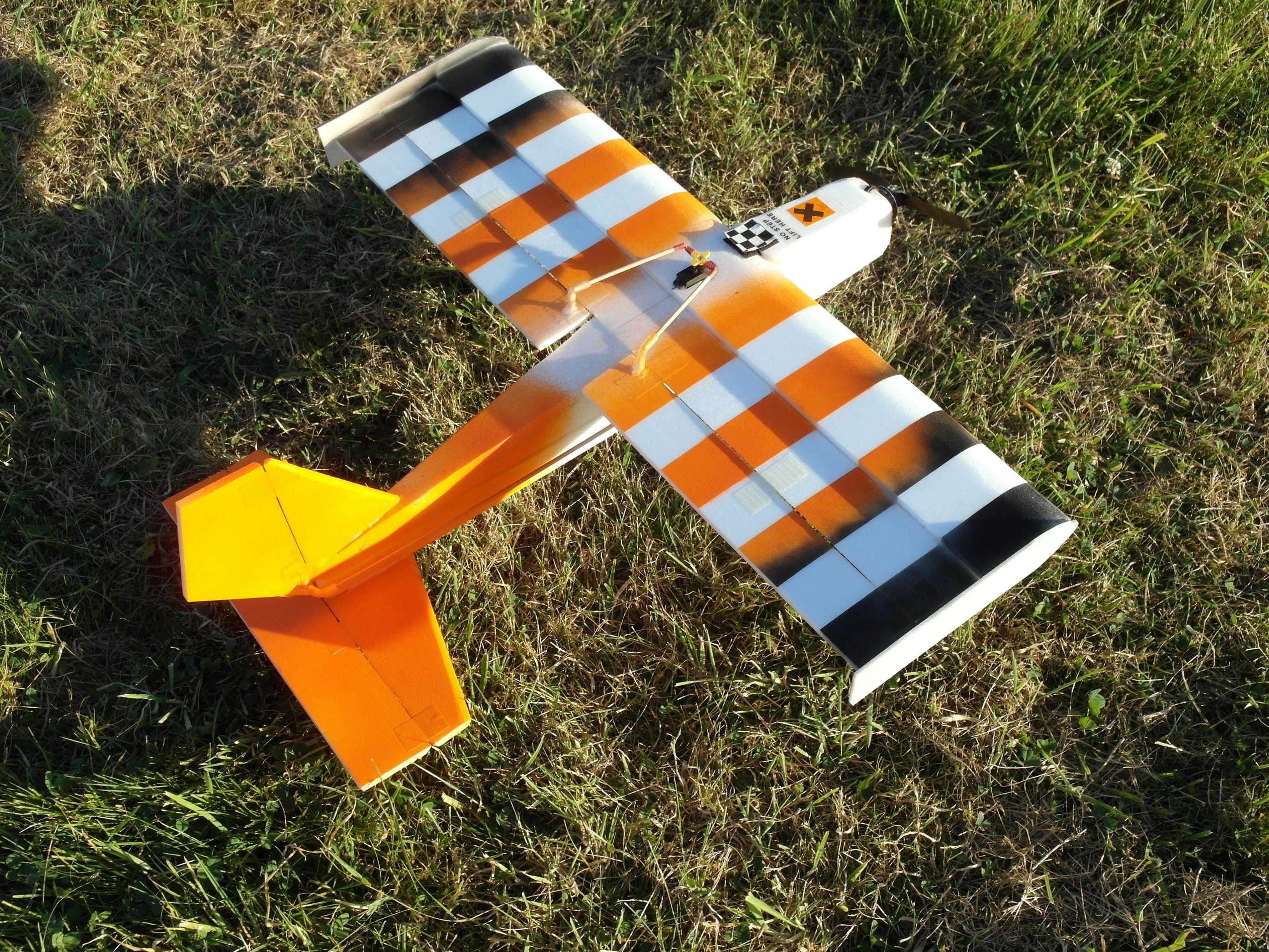 Le plan d'un avion rc en dépron pour faire de la 3d ou de