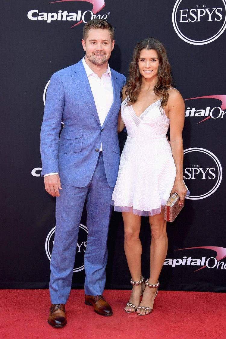 Danica Patrick And Ricky Stenhouse Jr Split After 5 Years Cbs News Danica Patrick Ricky Stenhouse Jr Nascar