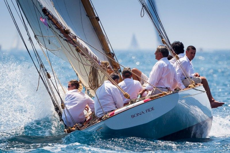 the windy day all of 12 knots brought a little more action for the final day of les voiles d. Black Bedroom Furniture Sets. Home Design Ideas