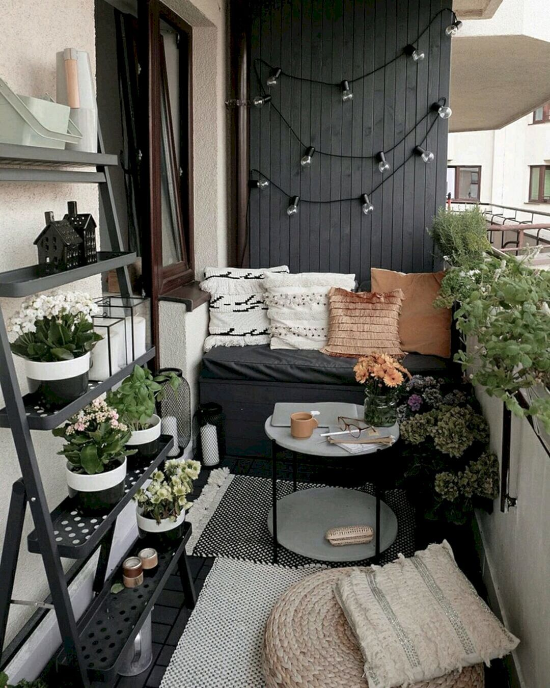 20 Gemutliche Und Kleine Wohnung Balkon Dekoration Ideen In 2020 Small Balcony Decor Apartment Balcony Decorating Balcony Decor