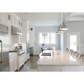 Extra White paint color SW 7006 by Sherwin-Williams. View interior ...