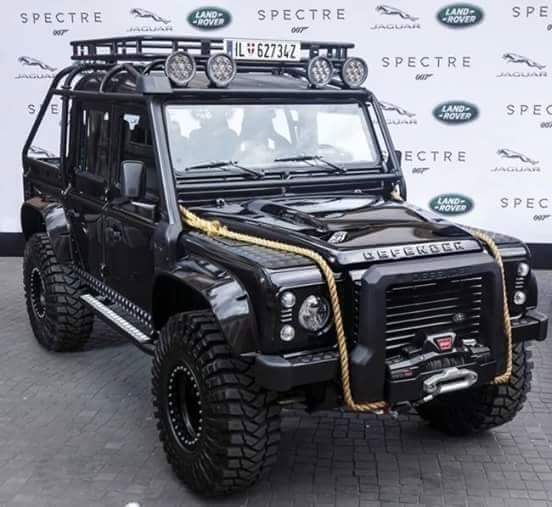 //Defender \u0026 More | Cosantoir: James Bond Defender · Landrover ...  S