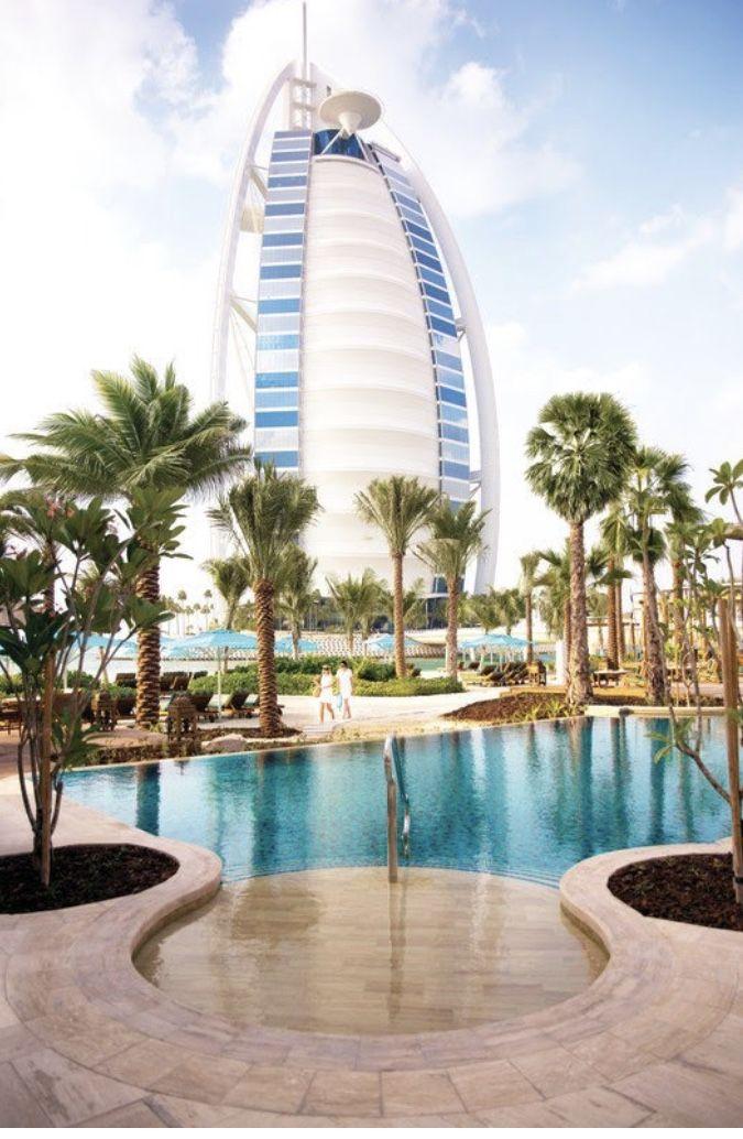 Summersalt Beach Club At Jumeirah Al Naseem Dubai Dubai Hotel Dubai Beach Places Around The World