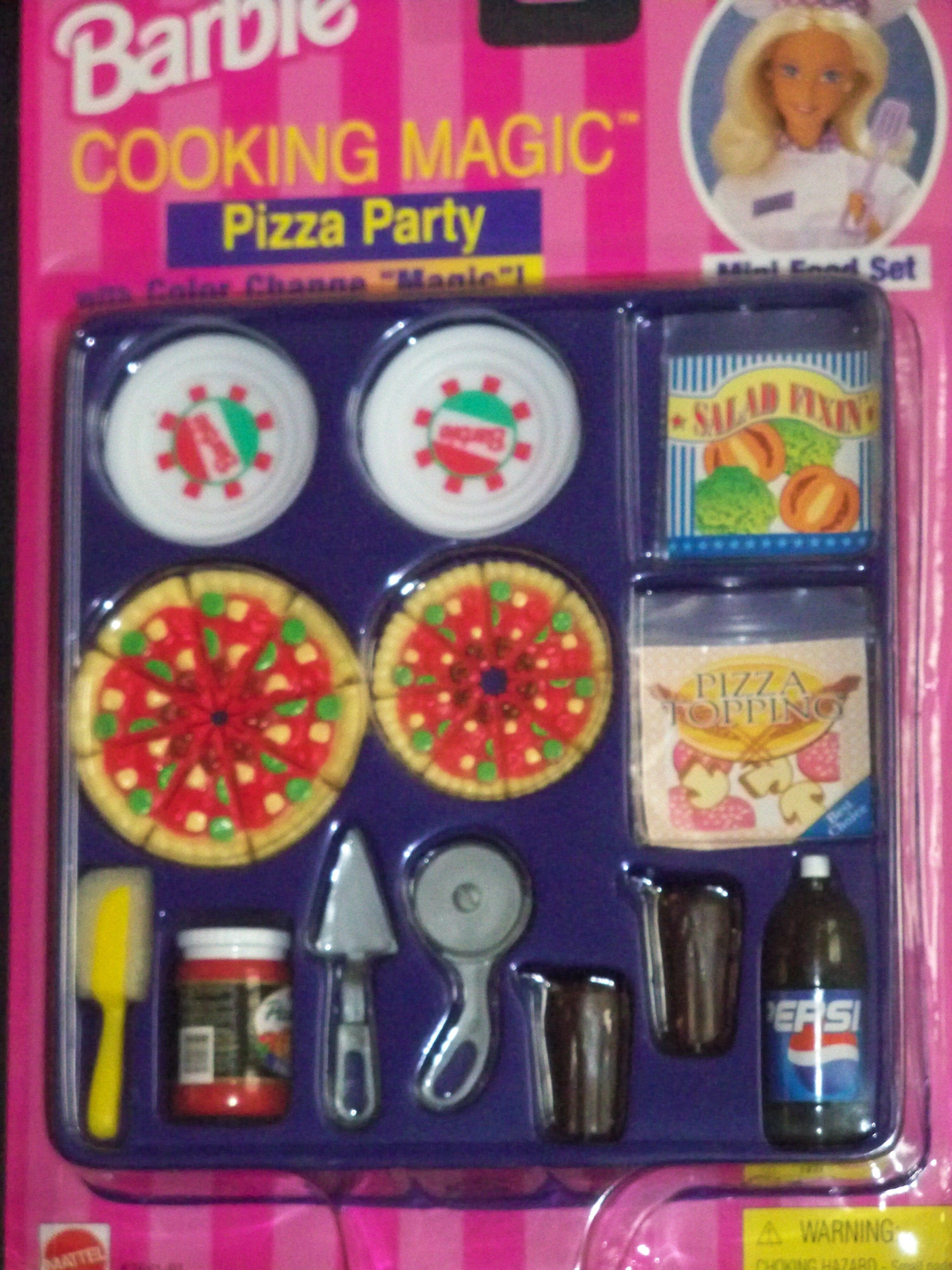 1997 Barbie Cooking Magic Pizza Party 67681 91 Mini Food Set With Color Change Magic Pepsi Soda Ragu Barbie Accessories Barbie Food Diy Barbie Furniture