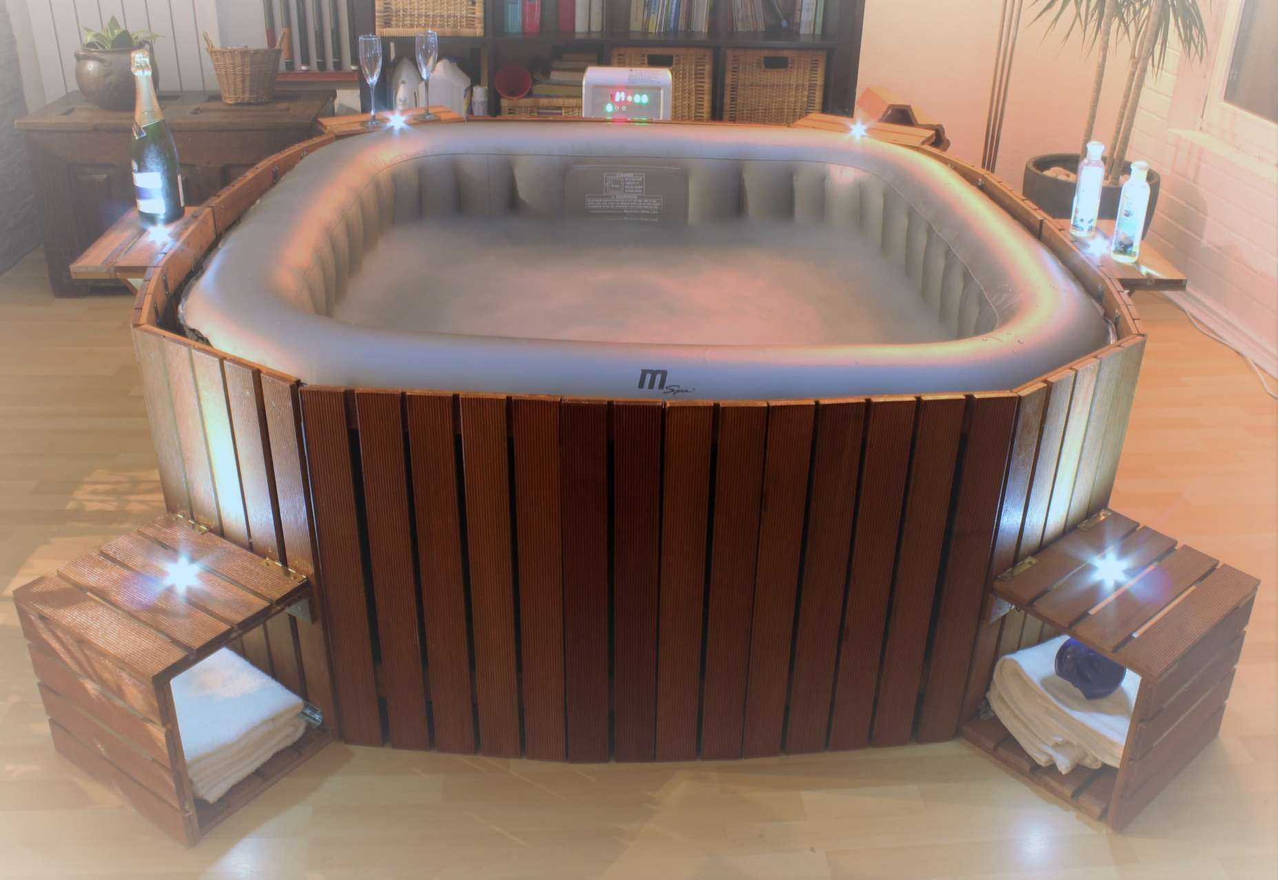 15 Structure Bois Pour Spa Gonflable Interior Garden Jacuzzi Pool Designs Design Pool Designs Inte In 2020 Hot Tub Deck Luxury Pools Indoor Hot Tub