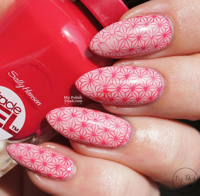 Beautiful design by Sabine. Enjoy the review here>> http://www.mypolishstash.com/2015/07/sally-hansen-miracle-gel-pinky-promise.html