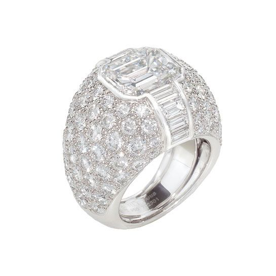 A graphic ring from Chaumet
