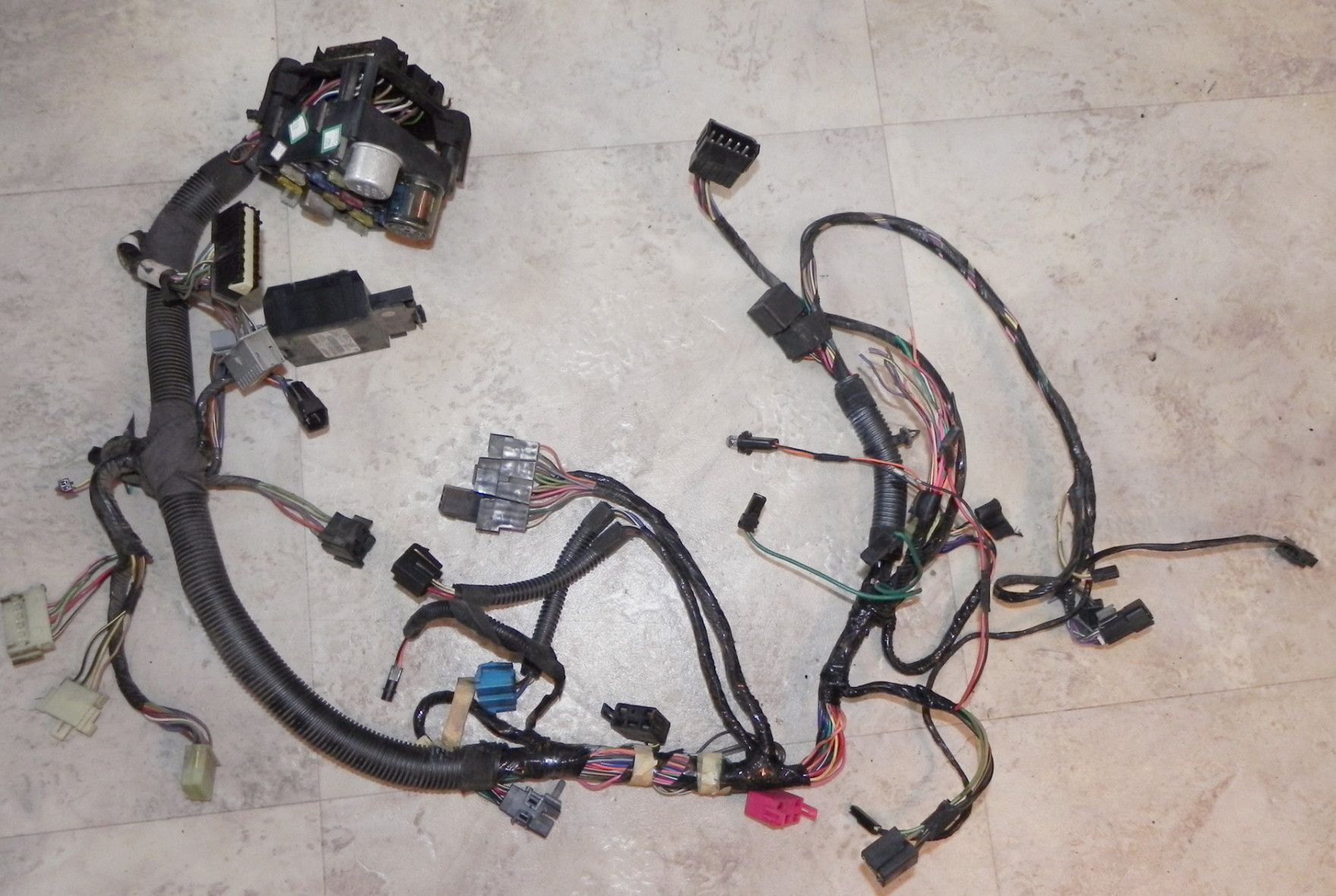 medium resolution of jeep wrangler yj interior under dash wiring harness 92 95