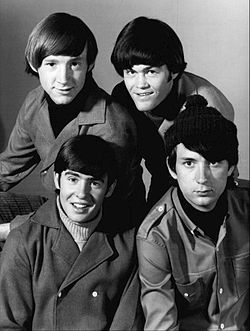 The Monkees, Top from left: Peter Tork, Micky Dolenz. Sitting, from left: Davy Jones and Michael Nesmith. Movies And Series, Tv Series, Michael Nesmith, 60s Tv, Peter Tork, Fred, Thing 1, The Monkees, Davy Jones Monkees