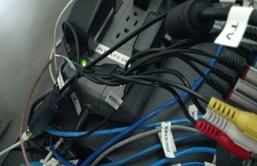 Kết quả hình ảnh cho Electrical connector