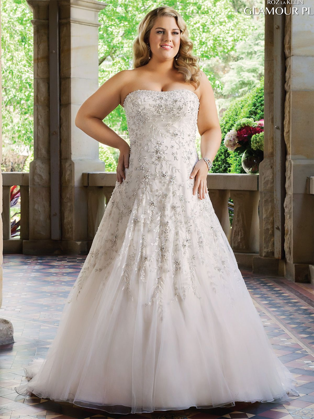 Rozlakelin plus size wedding gown esther dimitradesigns in rozlakelin plus size wedding gown esther dimitradesigns in champagne ombrellifo Gallery