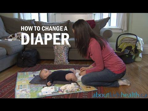 How To Change A Diaper Comment Changer Une Couche Youtube Diaper Diaper Rash Baby Diapers