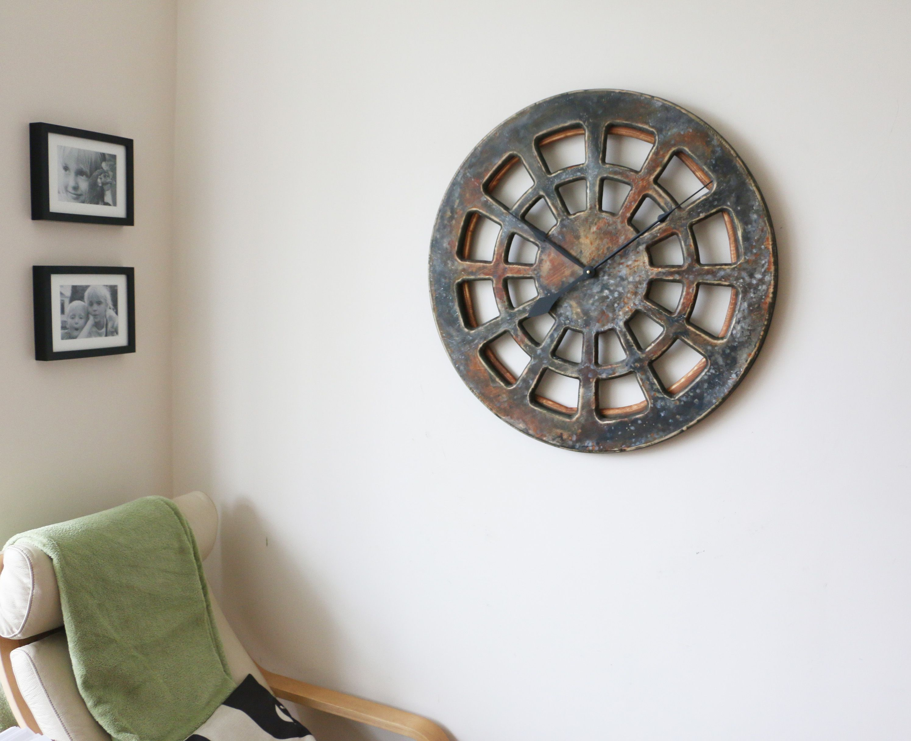 When You Look At Those Stunning Wall Clocks You Would Imagine Them In  Expensive Art Gallery
