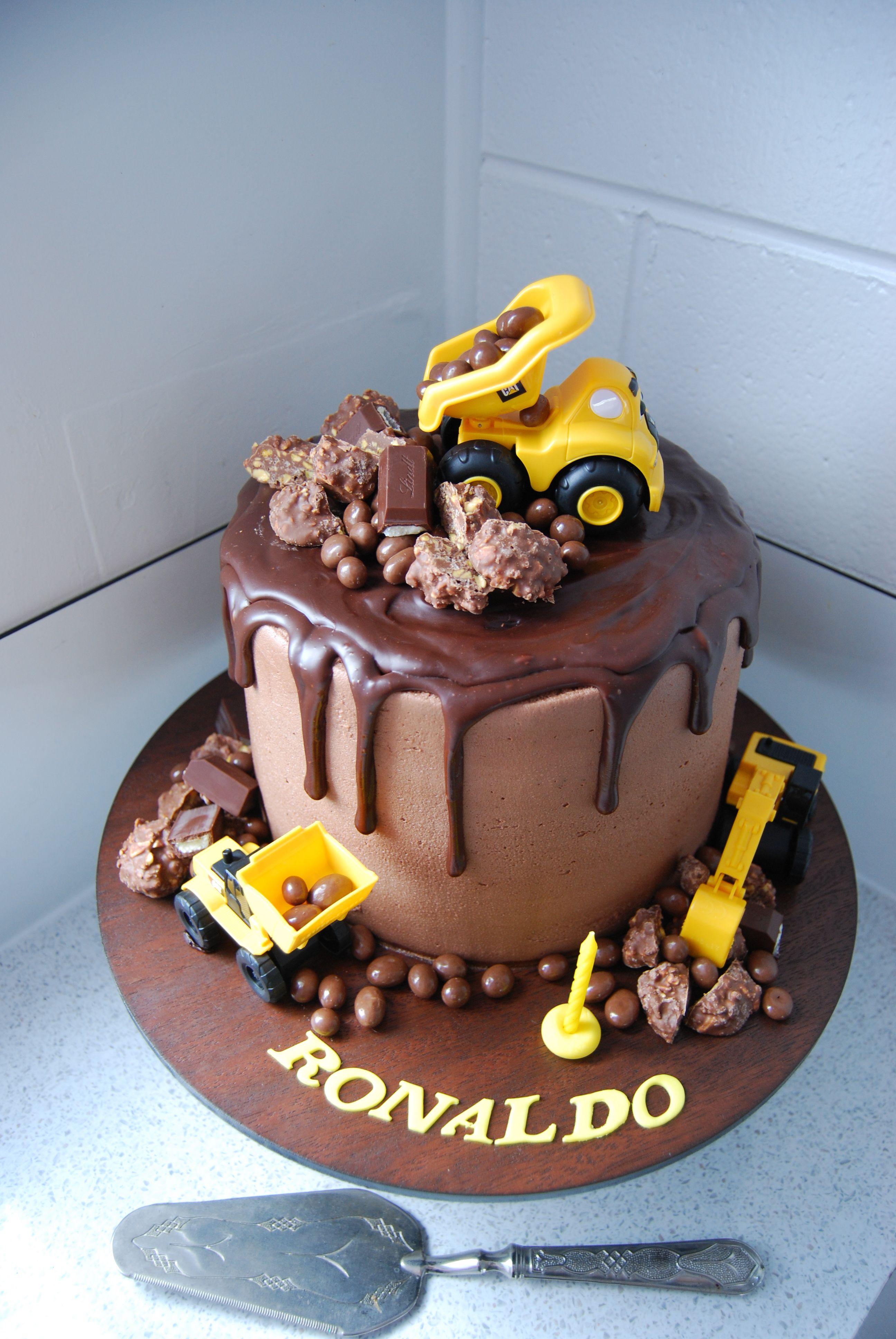 Incredible Digger Cake 250 Birthday Cake Kids Construction Birthday Cake Funny Birthday Cards Online Necthendildamsfinfo