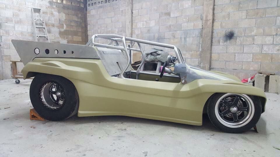 Custom mid-engine, 87 inch wheelbase chassis by Dave Barrett
