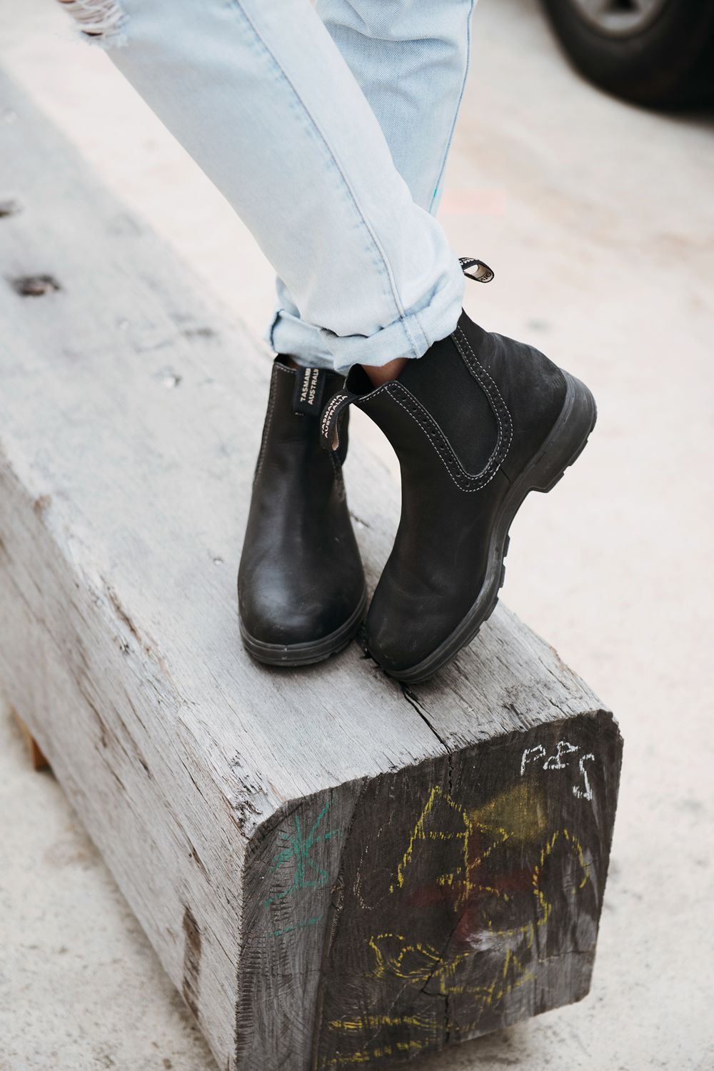 Blundstone Urbans 1448 Is A Women S Tall Elastic Sided Leather Boot In A Classic Voltan Black Colour Made Using Blundstone Boots Women Boots Blundstone Boots