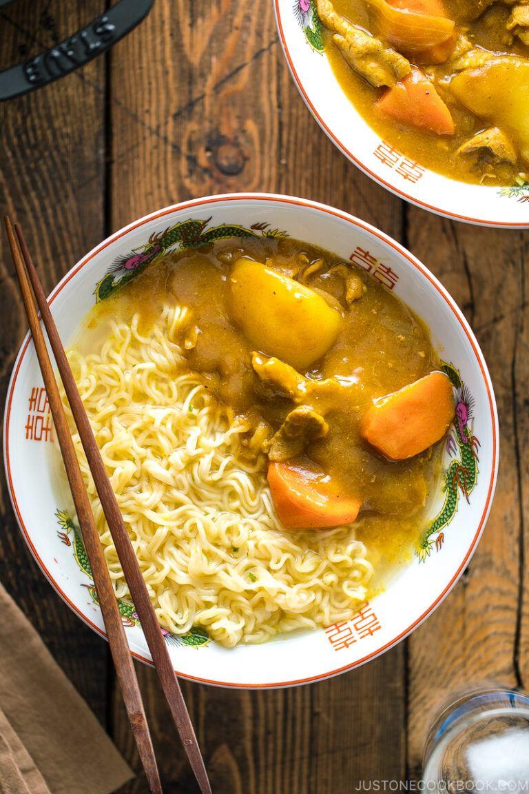 Curry Ramen Midnight Diner Season 2 カレーラーメン Just One Cookbook Recipe In 2020 Curry Ramen Curry Recipes