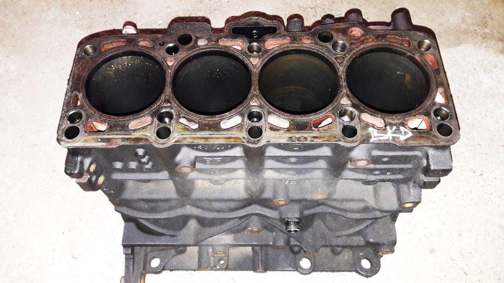 Engine cylinder block vw golf mk5 passat 2 0 tdi engine code bkd   1