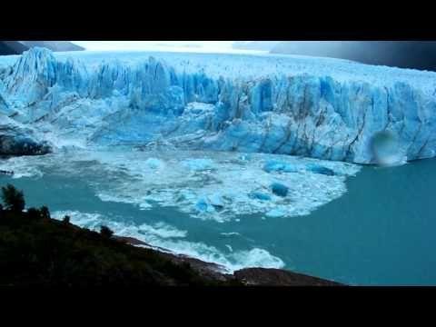 Collapse. Glacier Perito Moreno - Argentina.