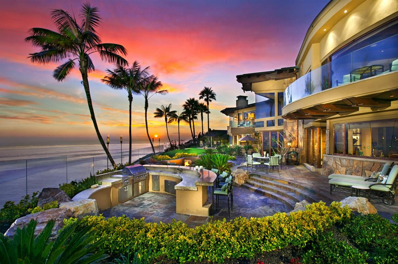 Oceanfront Mansions This Incredible Mansion Is Located In Carlsbad California