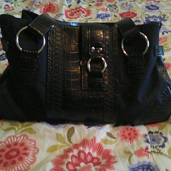 Worthington purse needs new home New used 4 times to big very nice bag Lots of space Worthington Bags Shoulder Bags