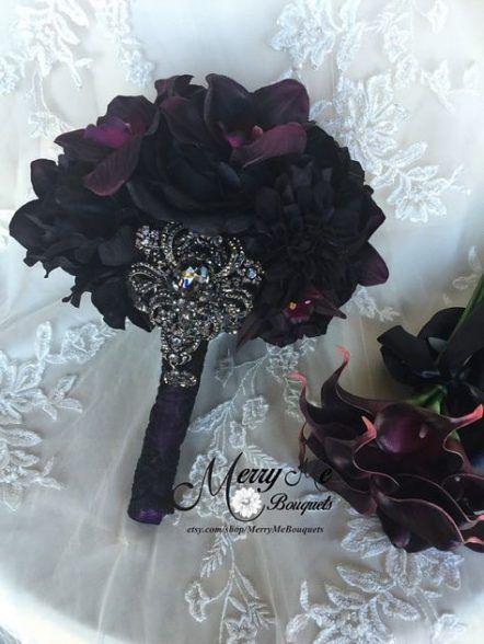 Trendy Wedding Purple Black Bouquets Ideas #purpleweddingflowers