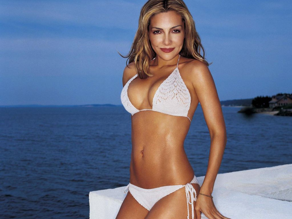 Best Known For Her Role On The Soap Opera General Hospital Vanessa Marcil Has