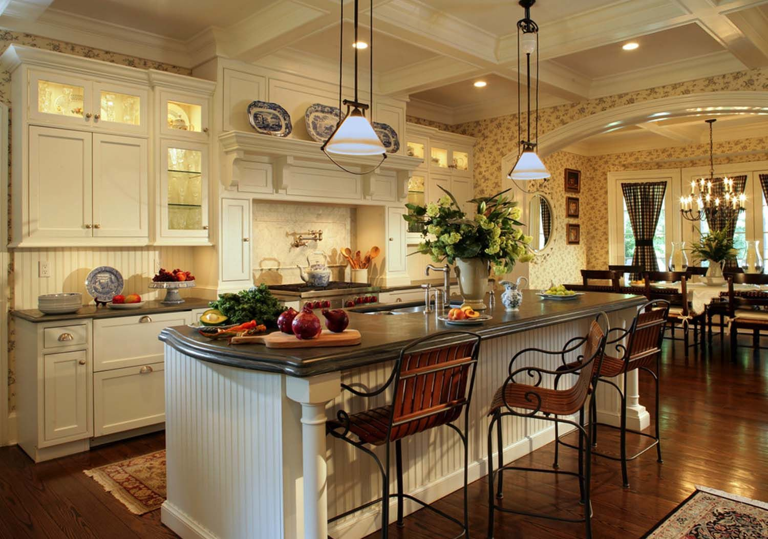 33 Amazing Country Chic Kitchens Brimming With Character Farmhouse Kitchen Interior Cottage Style Kitchen Cottage Kitchens With Islands