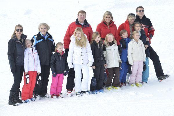 Koninklijk gezin op de foto in Lech | Binnenland | Telegraaf.nl