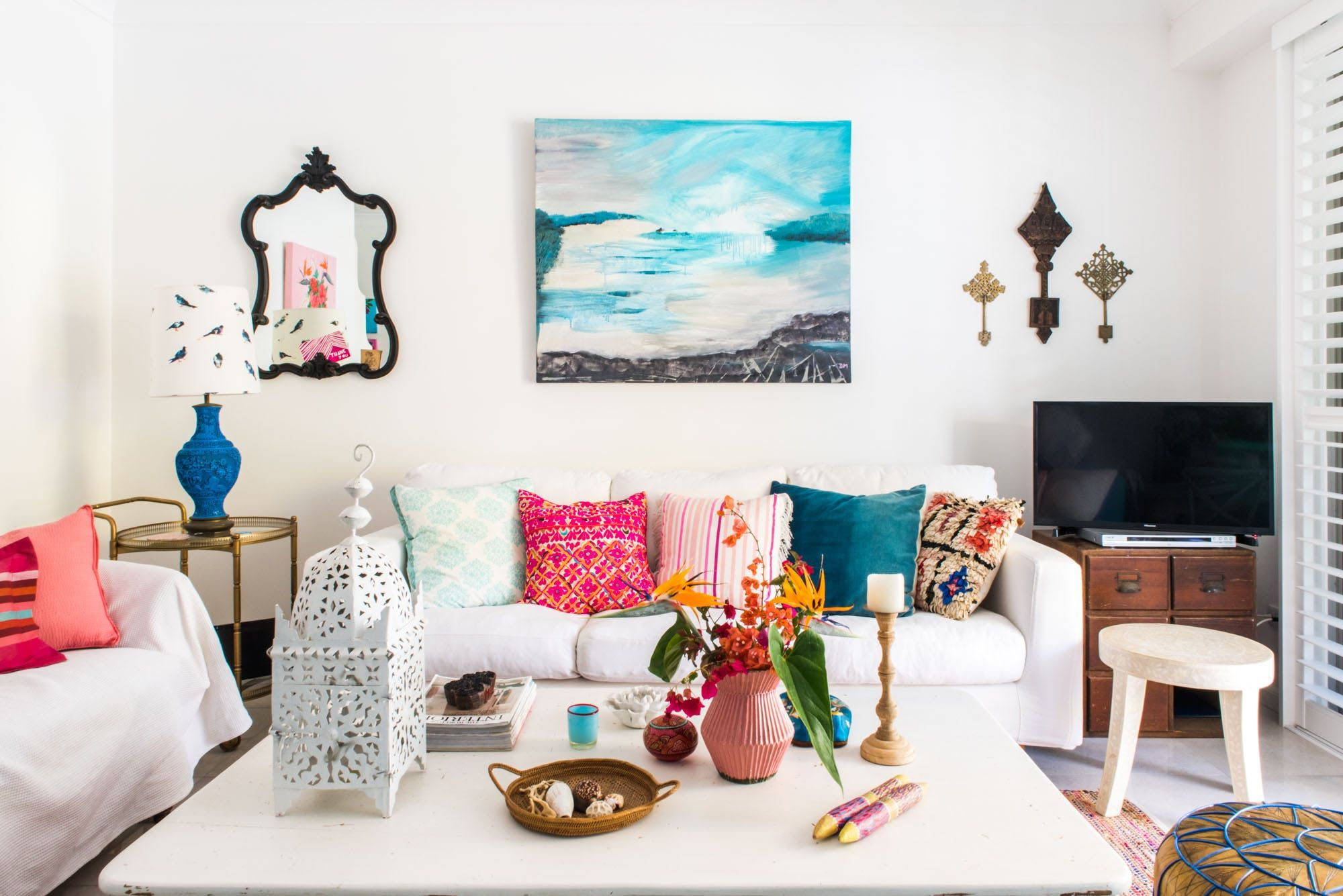 The Blue & Pink Home of Australian Artist Jenny Mc
