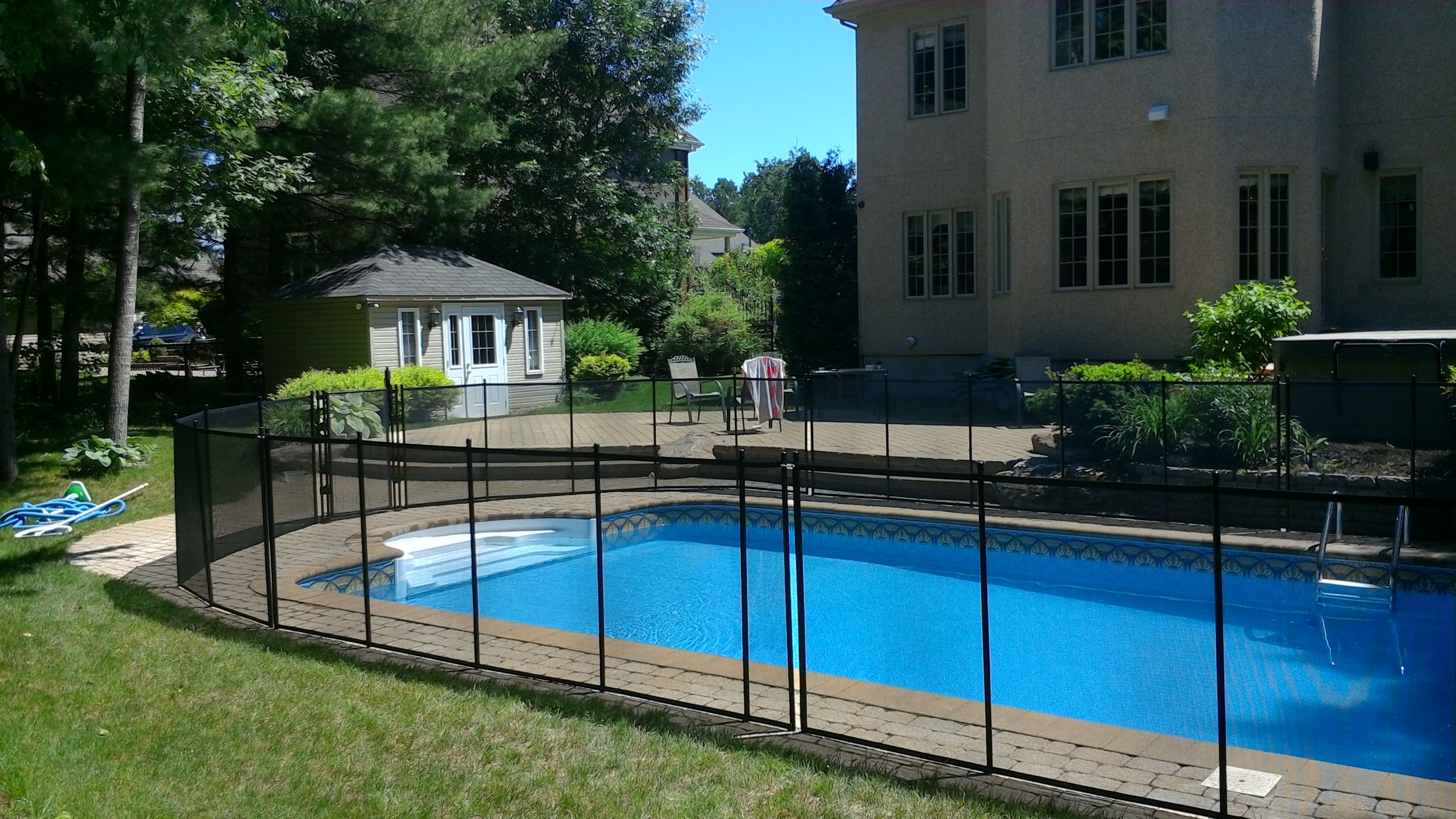 POOL FENCING LAWS | CHILD SAFE POOL FENCE SWIMMING POOL ENCLOSURE ...