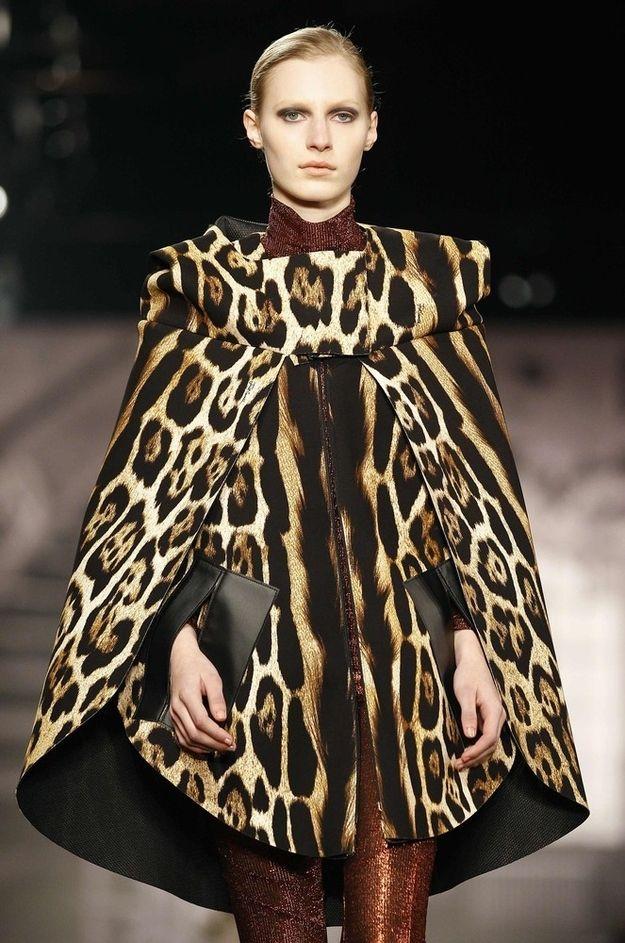 14 Reasons Roberto Cavalli Is The Best Fashion Designer On The Internet Fashion Animal Print Fashion Fashion Prints