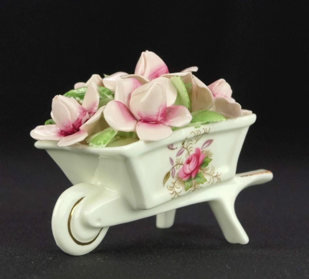 Royal Albert Servies Lavender Rose.Royal Albert Lavender Rose Floral Wheelbarrow B35 1st Quality