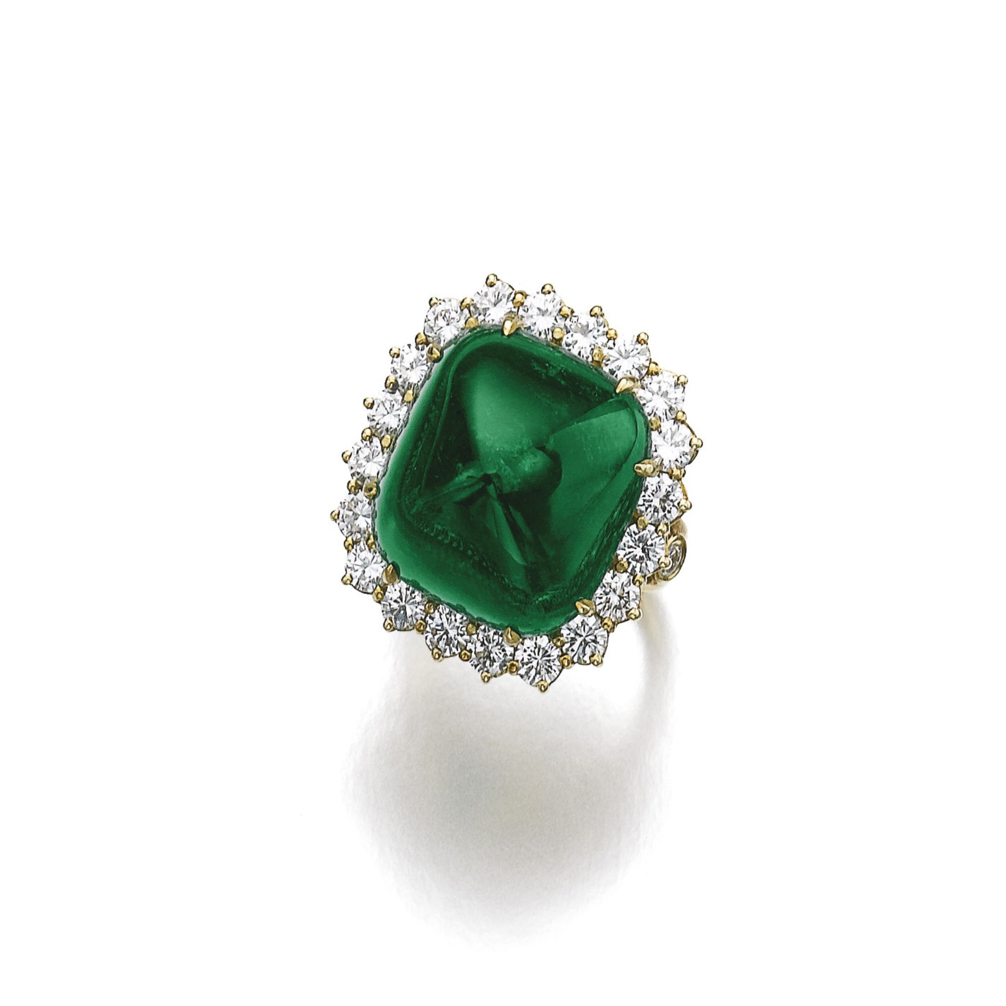Emerald and diamond ringpendant set with a carat sugarloaf