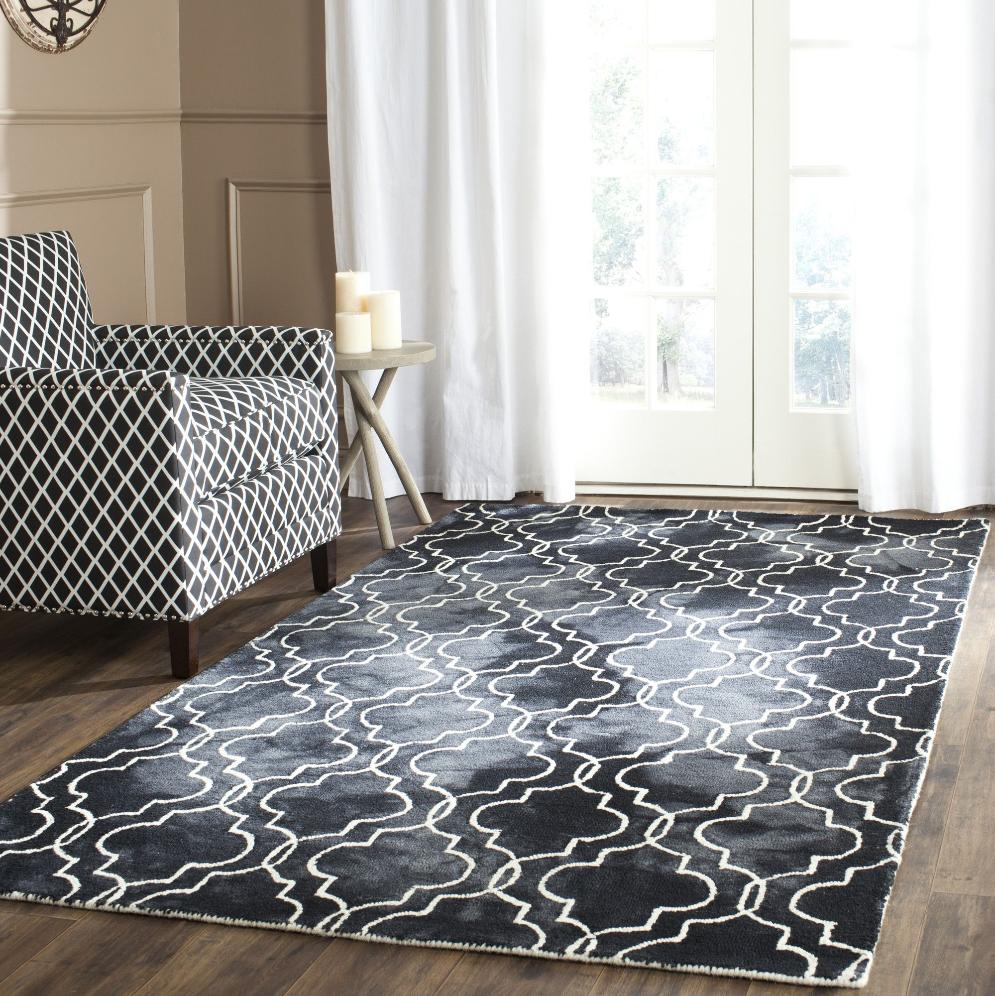 Hand-Tufted Graphite/Ivory Area Rug